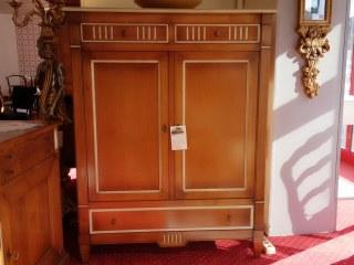 Buffet d'appui 2 portes, 2 tiroirs