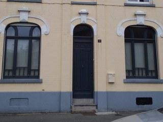 Porte d'entrée et fenêtre sur-mesure. Coloris gris