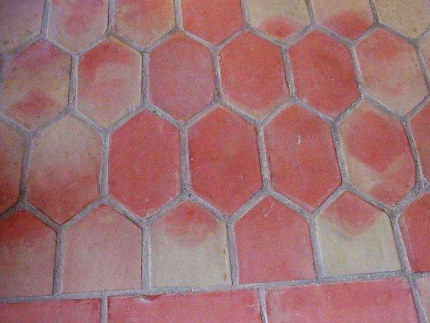 terre cuite rouge specialiste aubagne ambiance pierre et carrelage