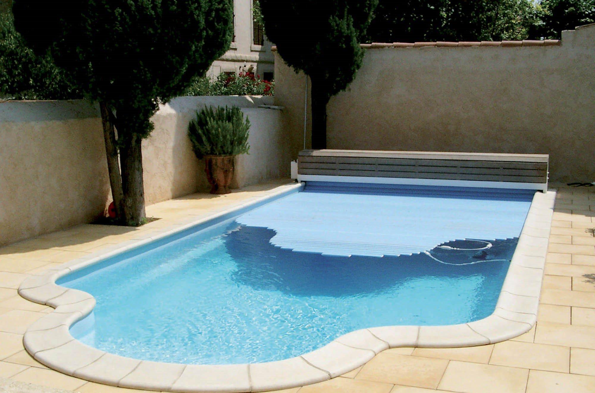 piscine coque polyester aubagne