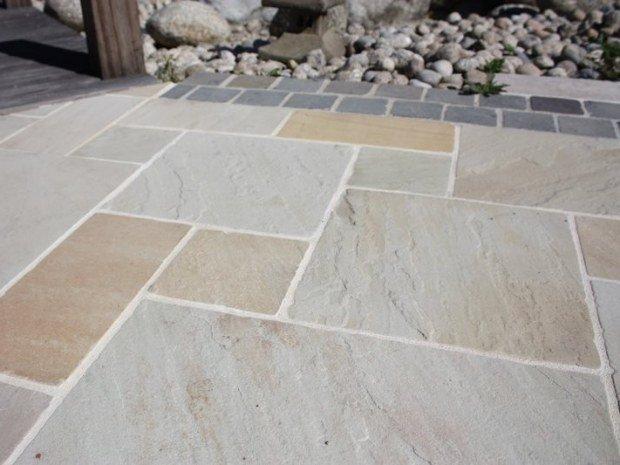 Dallage ext rieur ambiance pierre et carrelage mat riaux for Terrasse en pierre naturelle pose