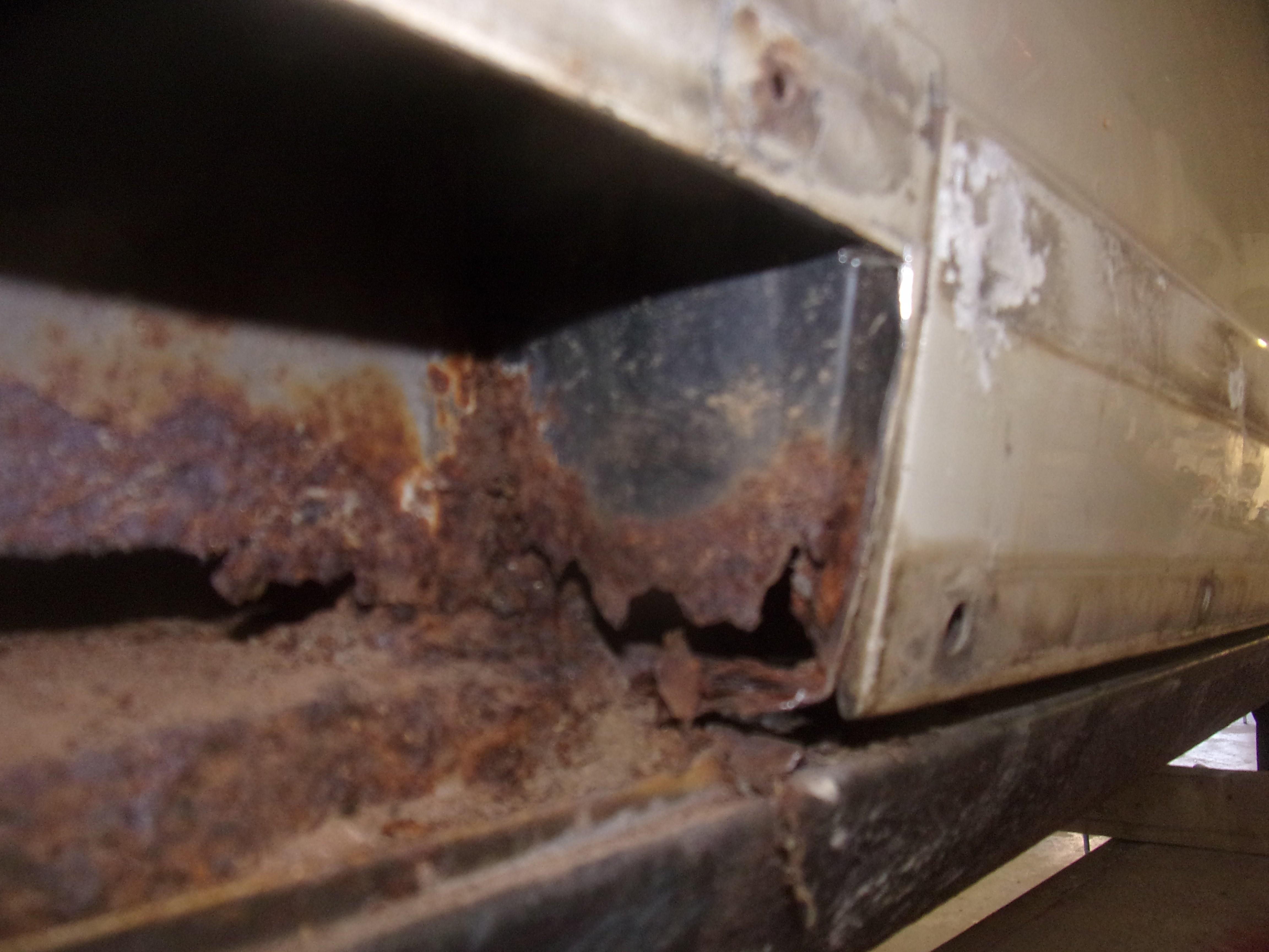 corrosion dans les doublures d'ailes