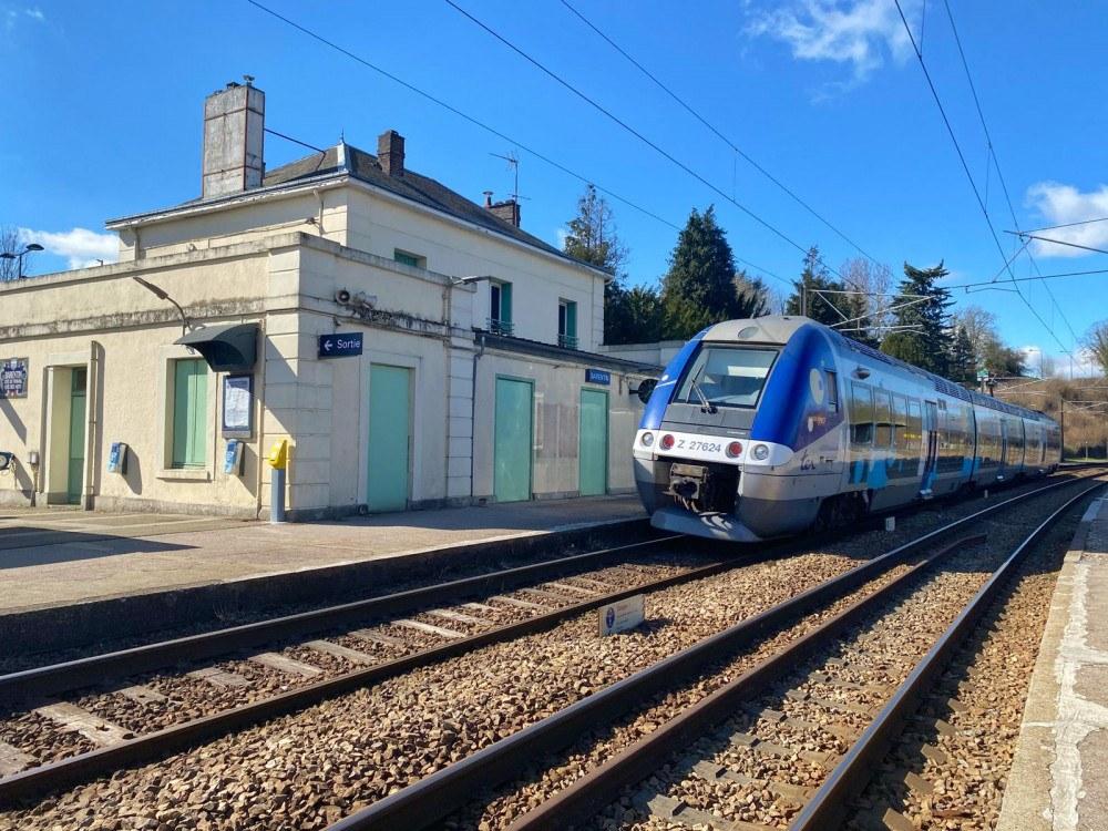 Gare-Barentin-copyright-GazetteNormandie.