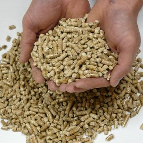 granules-de-bois-en-sac-de-15kg