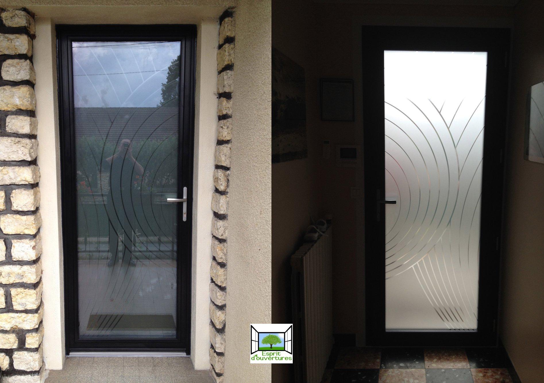 Esprit d'ouvertures Aluminium vitrée vitrage total dépoli sablé porte d'entrée Brunoy