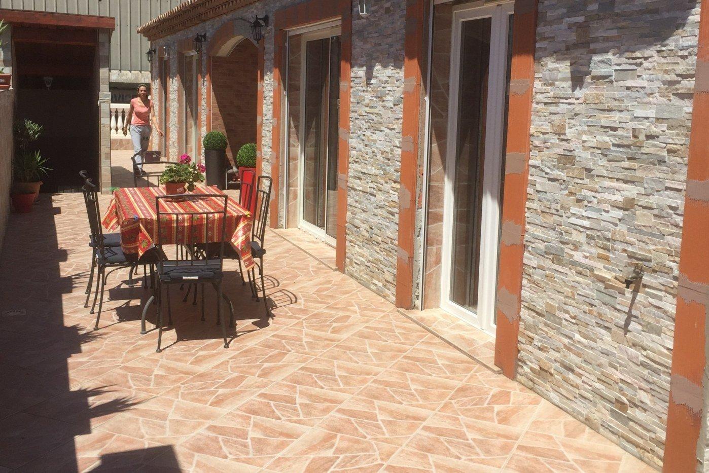 villa traditionnelle en pierres