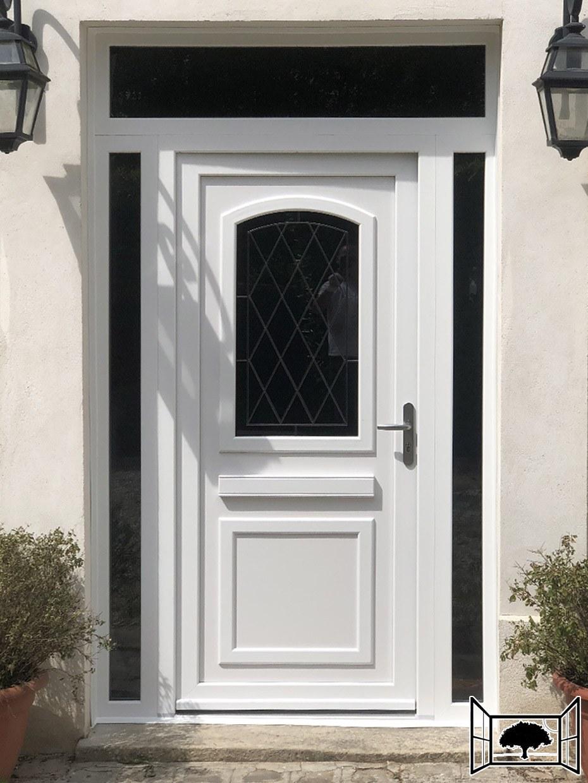 Porte d'entrée avec 2 tierces fixe et imposte vitrée