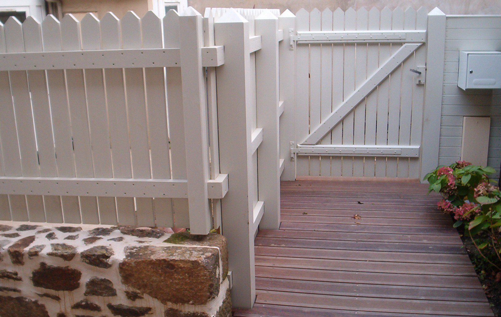 clôture et portillon