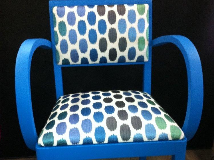 Fauteuil couleurs bleu vives  Beccat Décoration Paray le Monial
