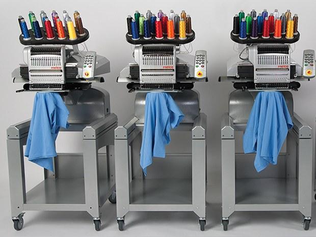 Réparateur de machines à coudre industrielles