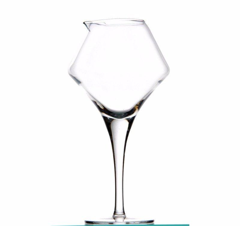 carafe vin grand verre pied