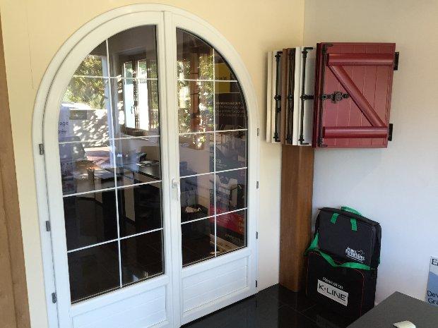 Esprit d'ouvertures Brunoy Showroom Fenêtres Volets battants design cintrée devis yerres