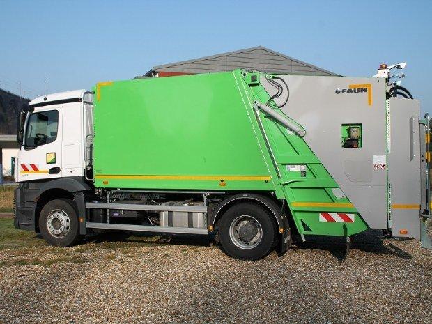 Camion benne ordure menagères