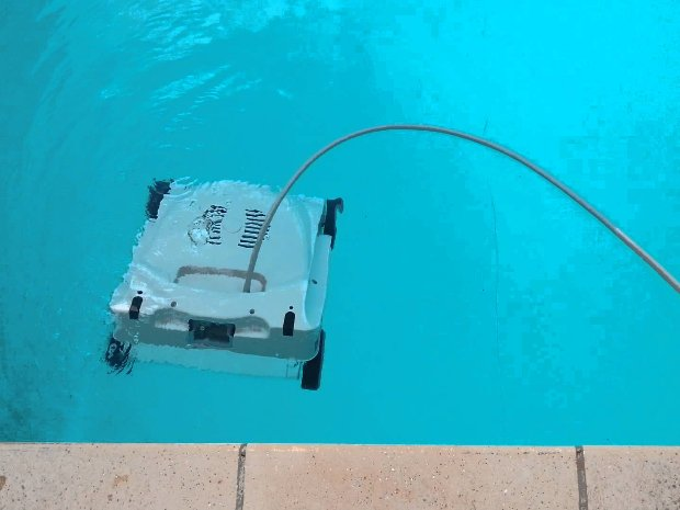 robot sur l'eau