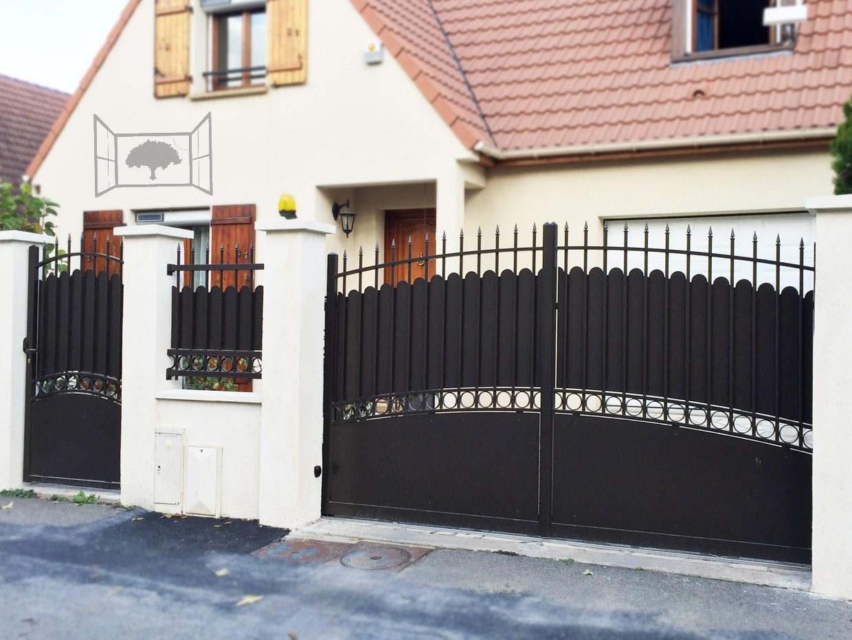 portail portillon cloture aluminium fer forgé classique festonné pointes lance noir