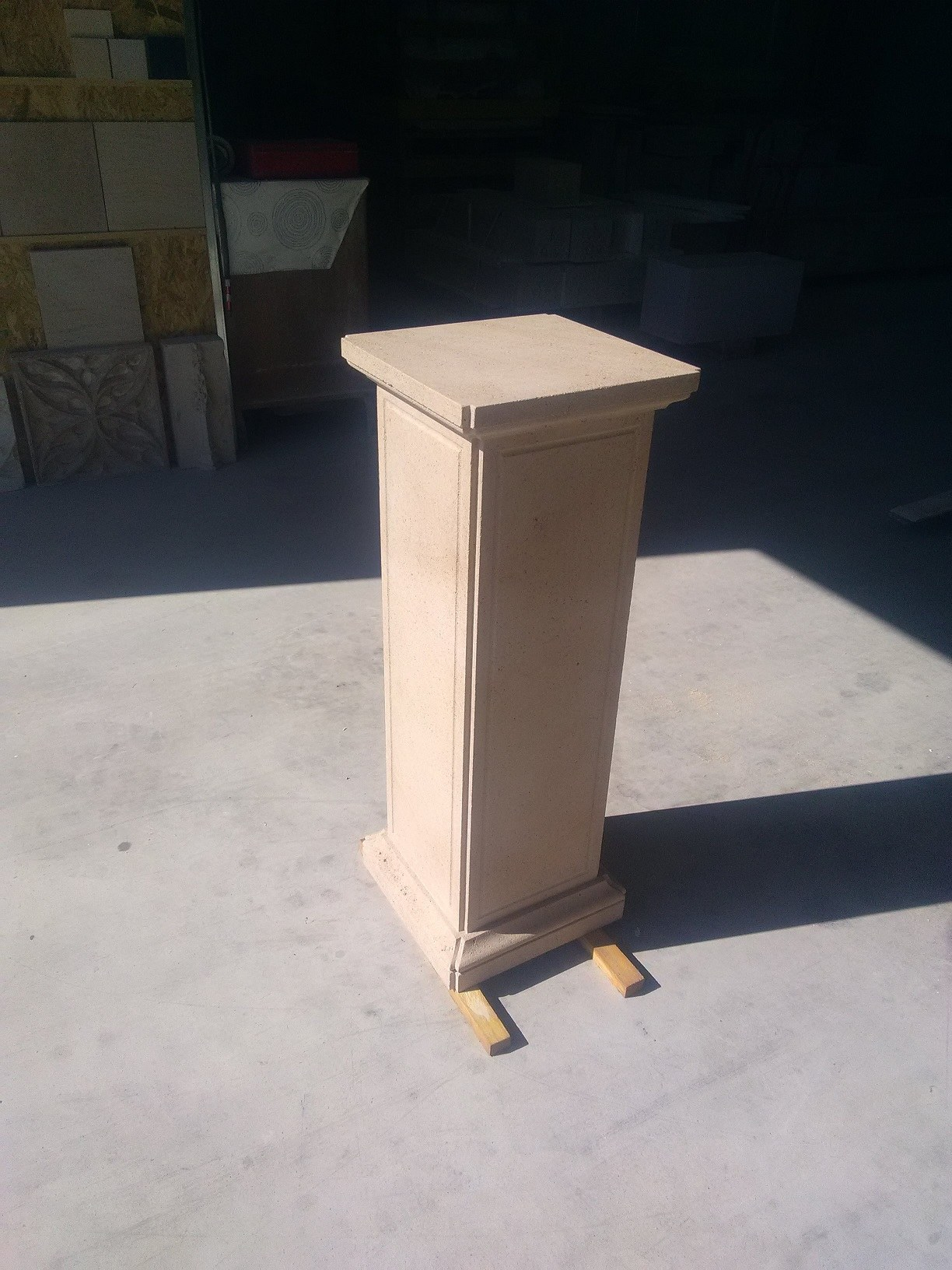 colonne en pierre naturelle