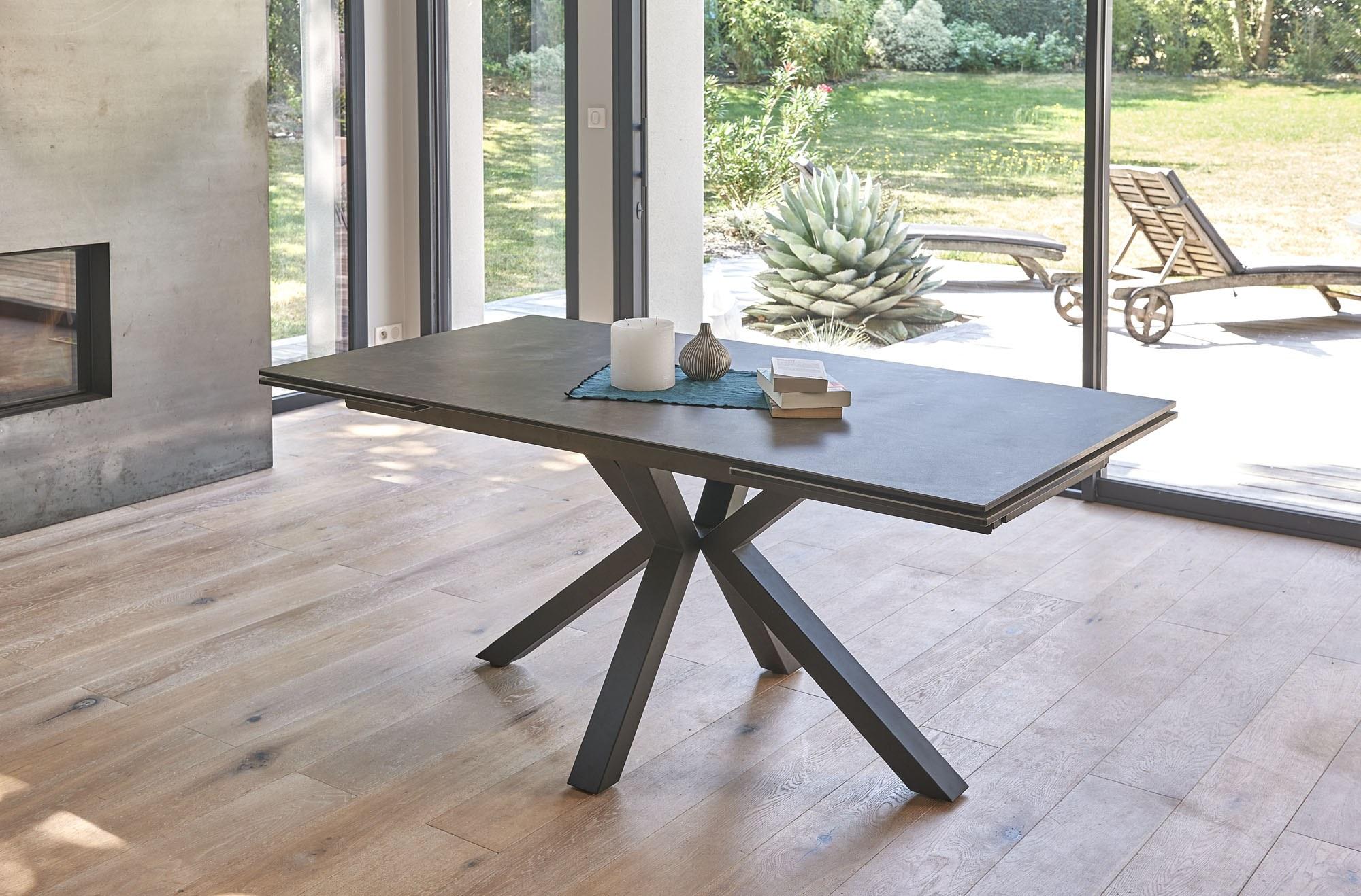 table rectangulaire pieds étoile céramique métal allonge