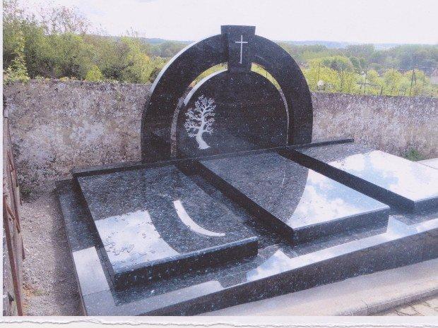 Monument funéraire-AUGUET FILS