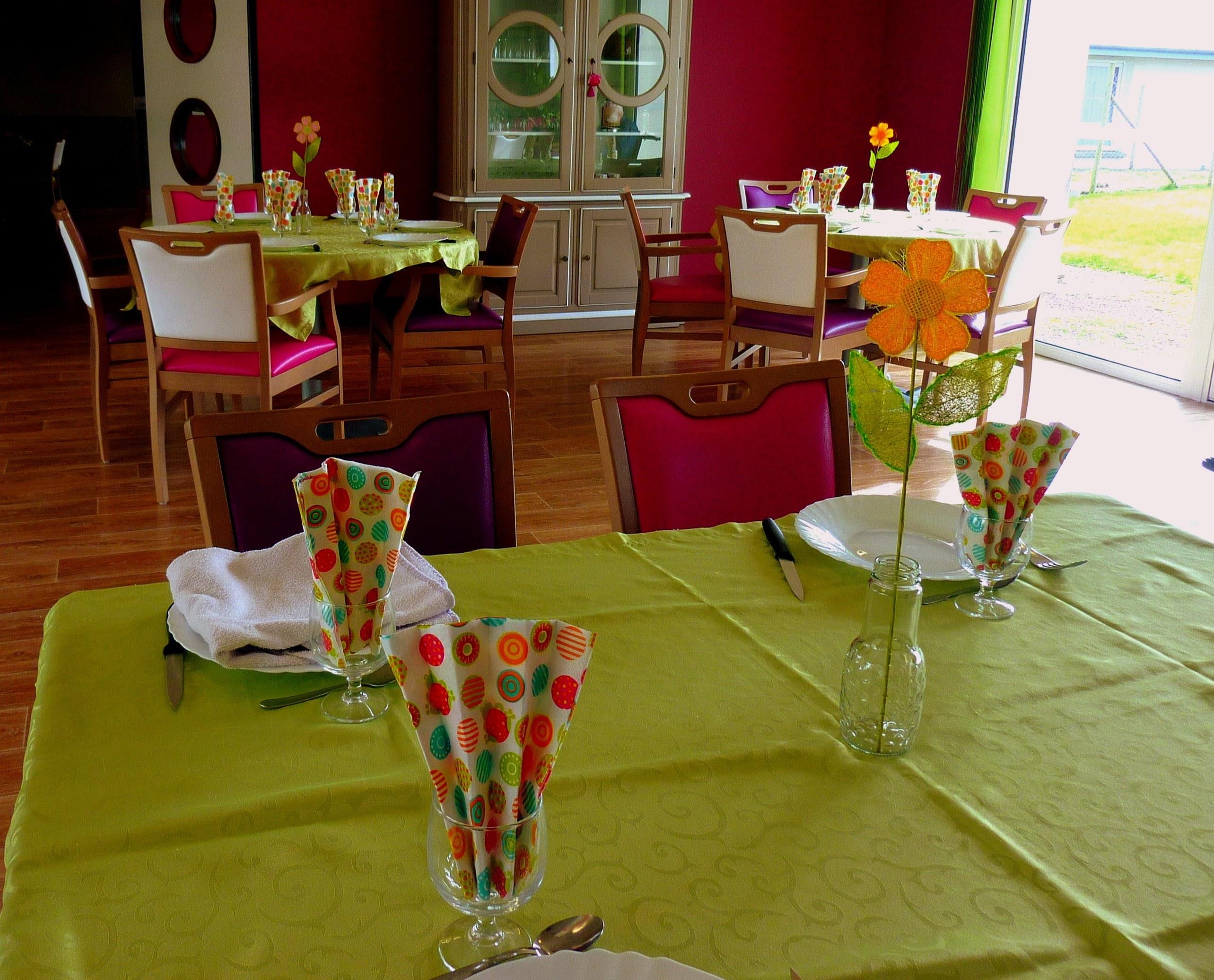 Tables pour notre repas de PRINTEMPS