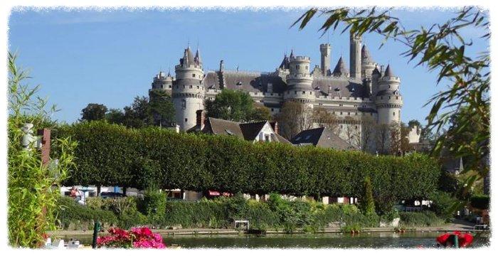 Vue imprenable sur le château de Pierrefonds