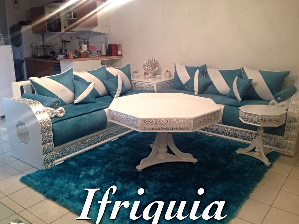Beautiful Salon Marocain Bleu Et Marron Contemporary - House Design ...