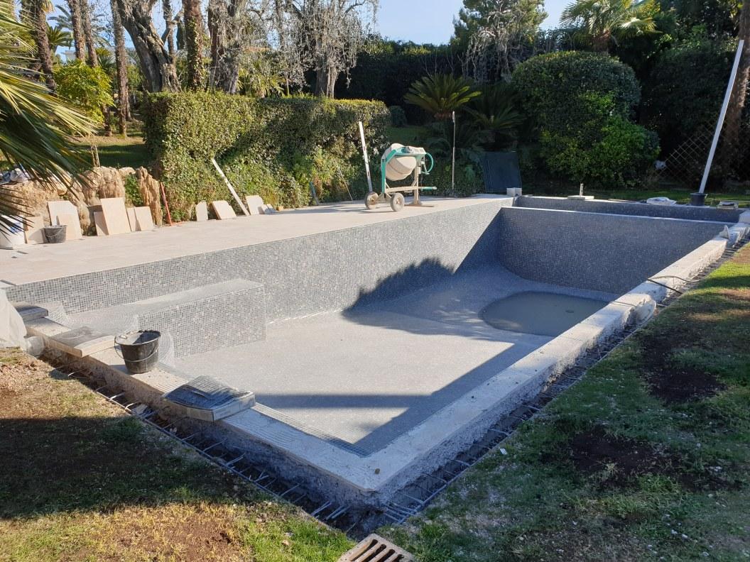 Création piscine à débordement