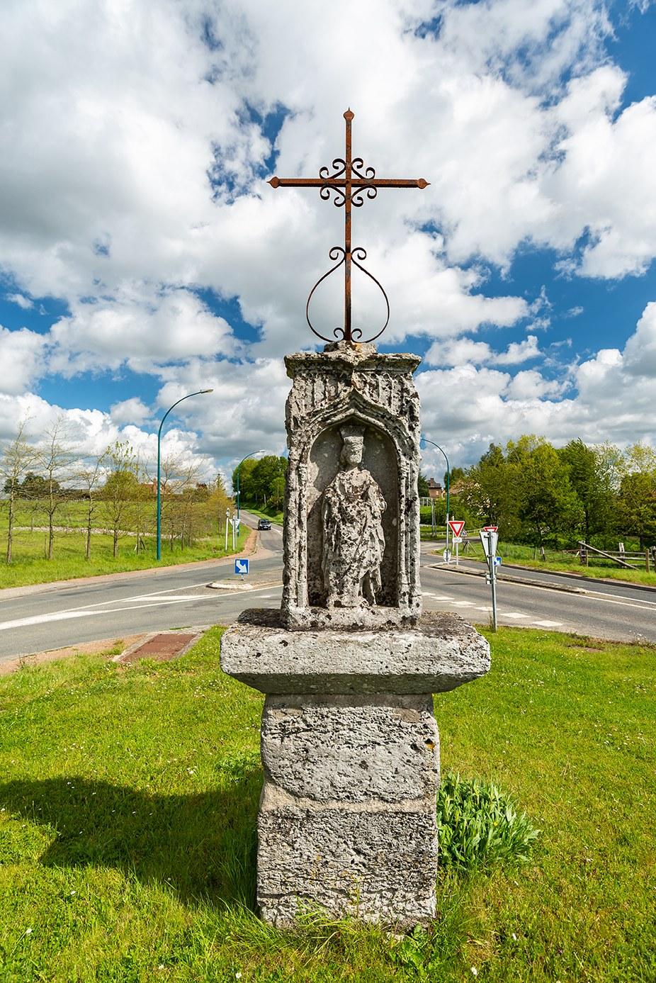 Croix de pierre de Bouville - 001