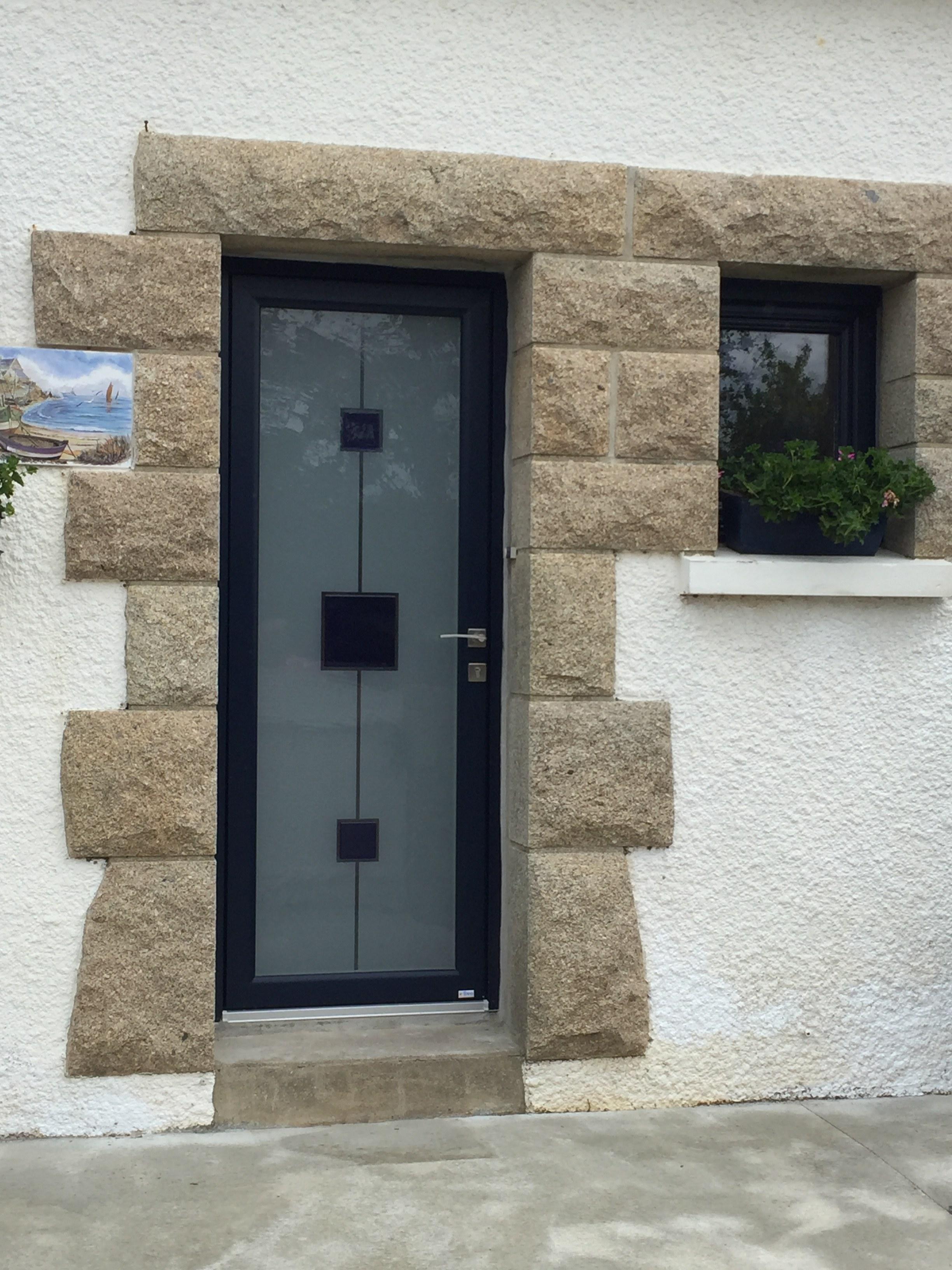Porte entrée - moderne - vitrée - brouillé avec carrés bleus - Direct Véranda