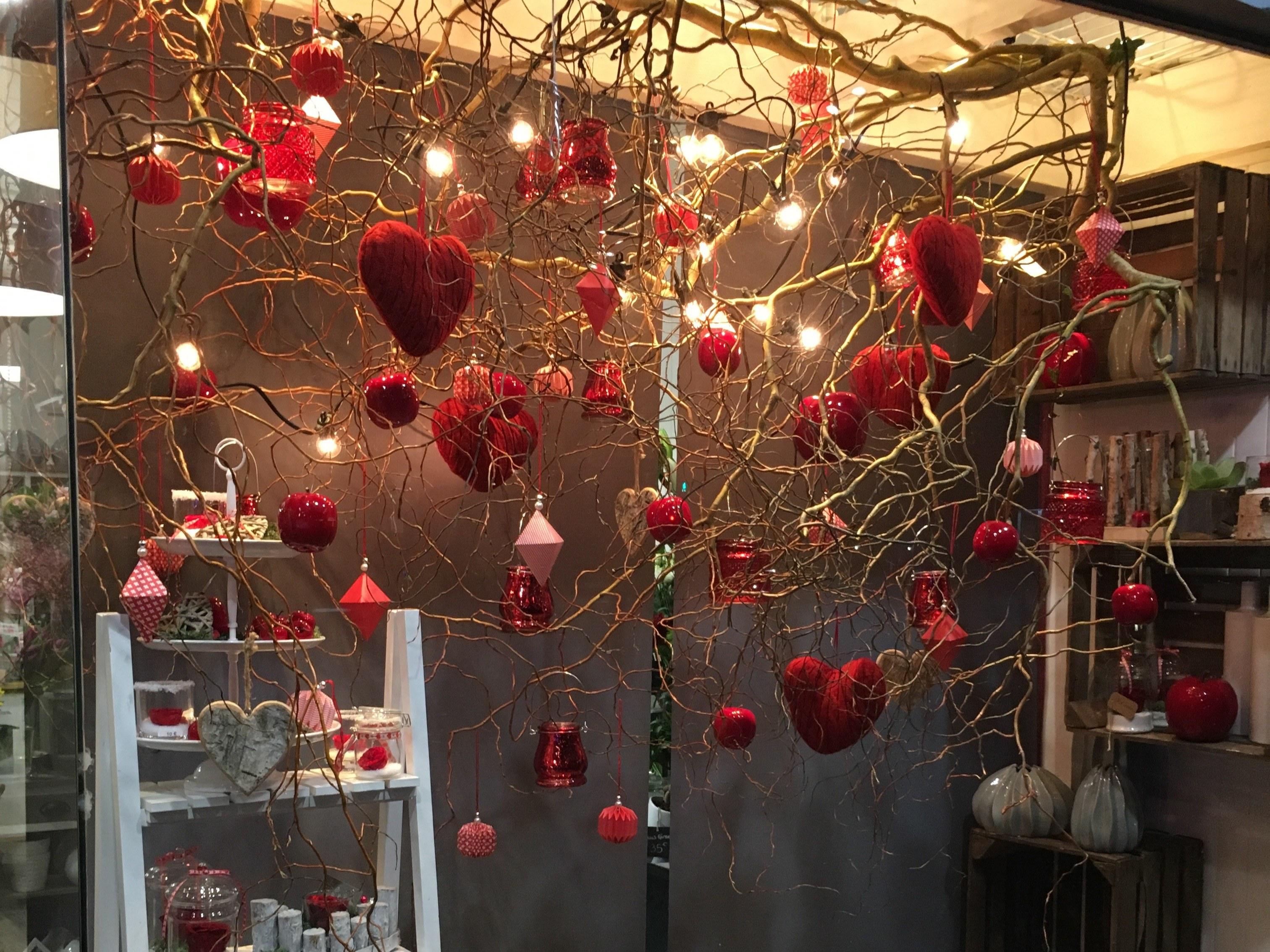decoration vitrine st valentin