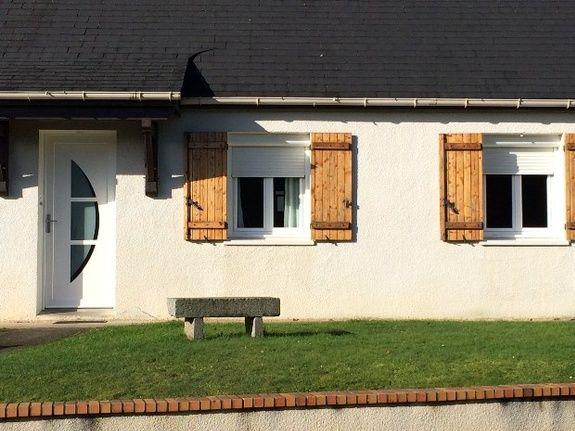 Porte entrée - moderne - blanche - panneau plein avec demi-lune vitrée