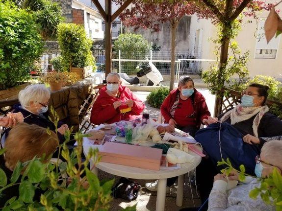Activité tricot - Entr'Aide Gardoise - Nîmes