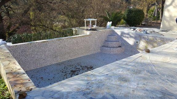 piscine avant rénovation mosaïque