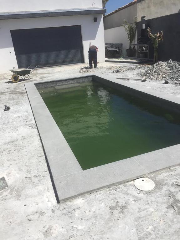 Rénovation piscine-chantier en cours-