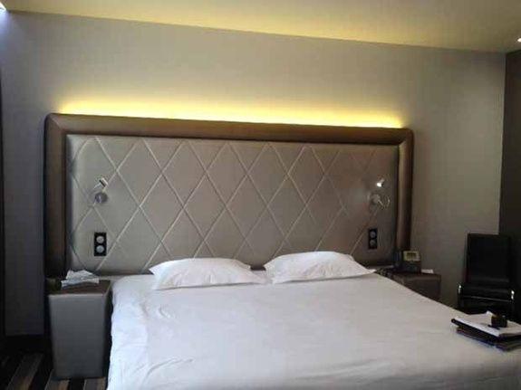 tapissier tête de lit rennes tigier sofa