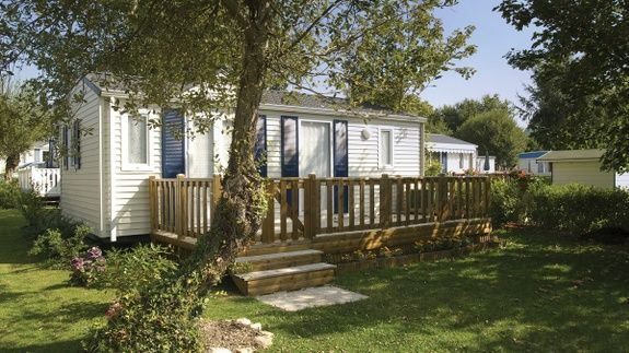 Mobil Home et terrasse - CD Homes Loisirs