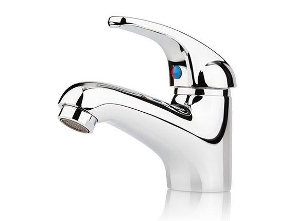 La robinetterie de salle de bains