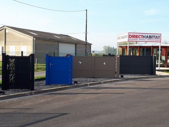 Direct-Habitat - Steenbecque - portail, store, menuiserie